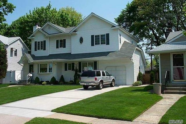 85 E End Ave, Hicksville, NY 11801 (MLS #3039500) :: The Lenard Team