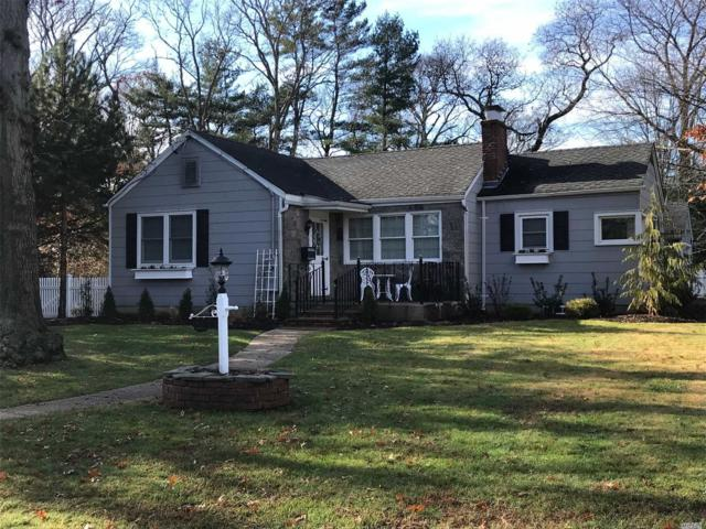 563 Peters Blvd, Brightwaters, NY 11718 (MLS #3084890) :: Netter Real Estate