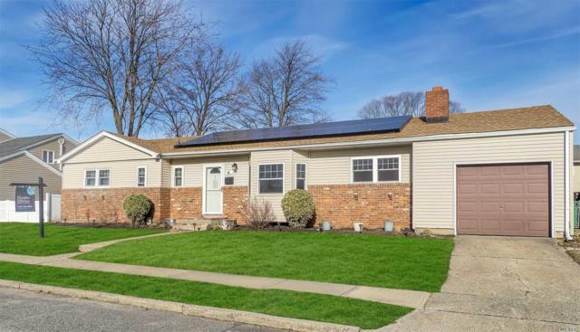 30 Wellbrock St, Lindenhurst, NY 11757 (MLS #3093725) :: Netter Real Estate