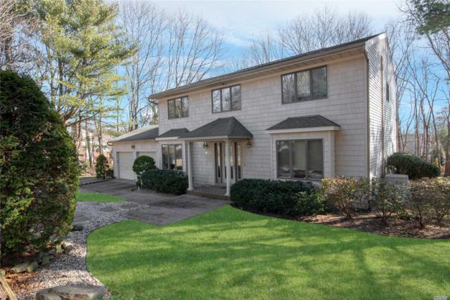 4 Stonehurst Ln, Dix Hills, NY 11746 (MLS #3099701) :: The Lenard Team