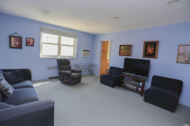251-15 61st Ave Upper, Little Neck, NY 11362 (MLS #3121387) :: Shares of New York
