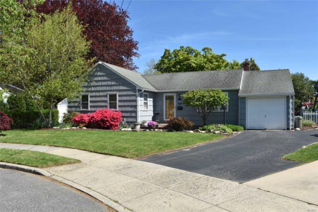 18 Bradish Ln, Babylon, NY 11702 (MLS #3128202) :: Netter Real Estate