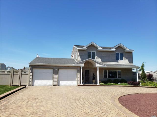 25 Shore Dr, Copiague, NY 11726 (MLS #3135370) :: Shares of New York