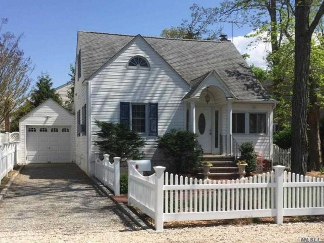 7 Franklin Ave, Bayville, NY 11709 (MLS #3027351) :: The Lenard Team