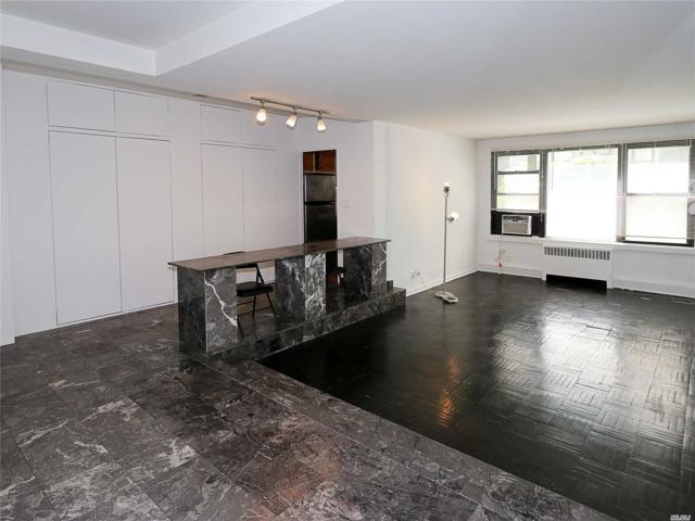 98-10 64th Ave 1 C, Rego Park, NY 11374 (MLS #3047268) :: Netter Real Estate