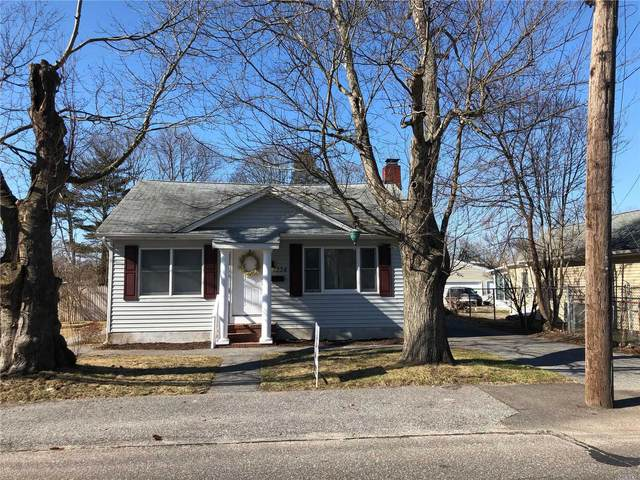 1334 Manatuck Blvd, Bay Shore, NY 11706 (MLS #3200353) :: Signature Premier Properties