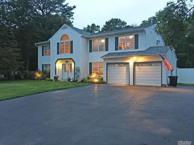 44 Evelyn Ct, Manorville, NY 11949 (MLS #3019735) :: Netter Real Estate