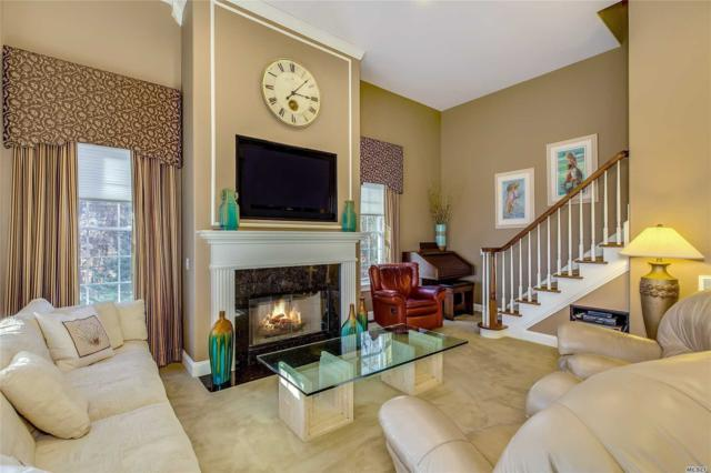 49 Laura Ln, Riverhead, NY 11901 (MLS #3019420) :: Netter Real Estate