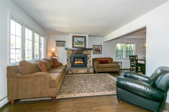 42 Larch Ave, Floral Park, NY 11001 (MLS #3127841) :: Signature Premier Properties