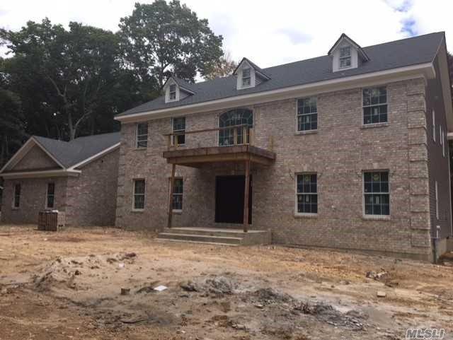 10 Weaver Ln, Dix Hills, NY 11746 (MLS #2982546) :: Netter Real Estate