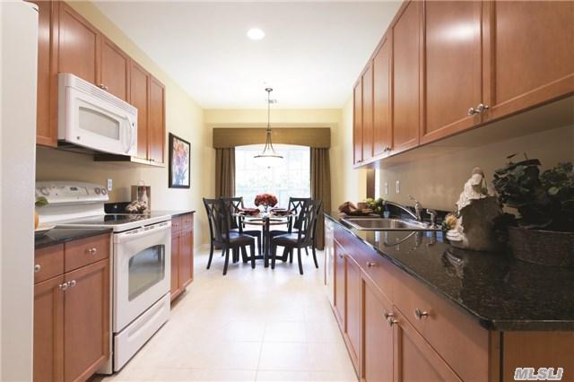 44 Greentree Ct #44, Shirley, NY 11967 (MLS #2812198) :: Keller Williams Homes & Estates