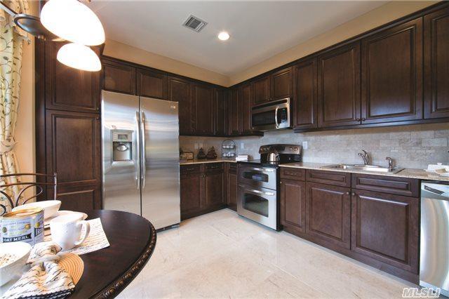 48 Greentree Ct #48, Shirley, NY 11967 (MLS #2812514) :: Keller Williams Homes & Estates
