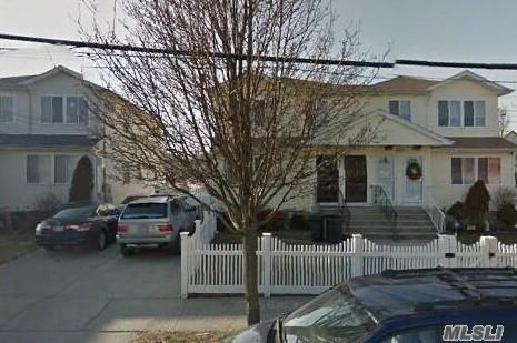 563 Beach 63rd St, Far Rockaway, NY 11691 (MLS #2882522) :: Netter Real Estate