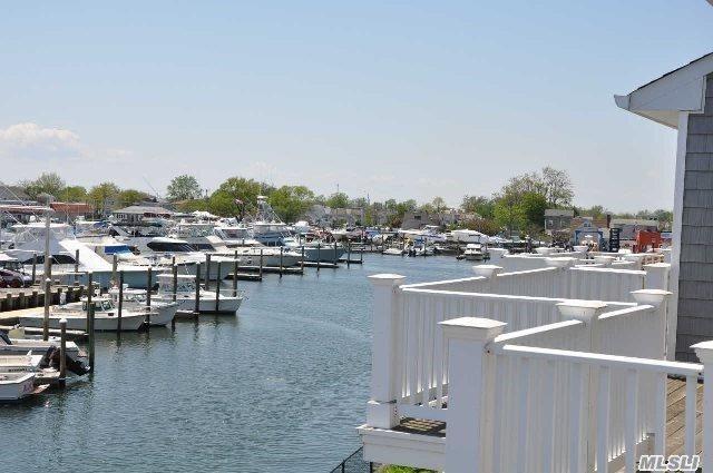 19 Ocean Watch Ct #19, Freeport, NY 11520 (MLS #2919245) :: Keller Williams Homes & Estates
