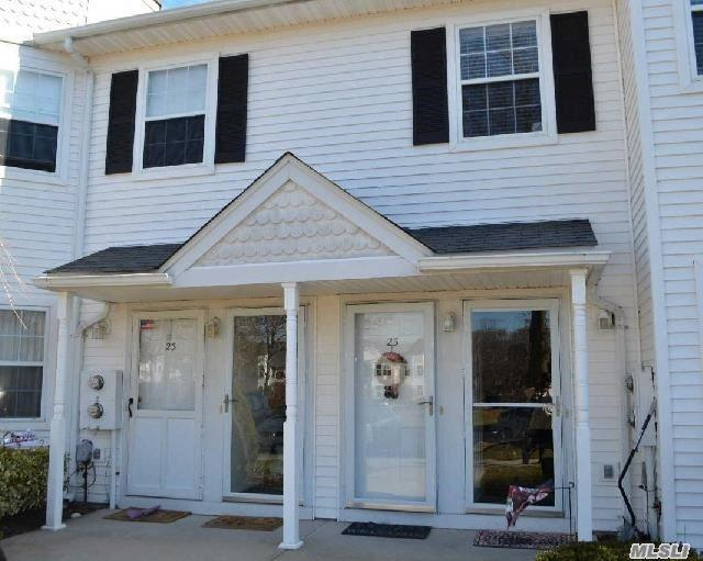 25 Country View Ln, Middle Island, NY 11953 (MLS #2923486) :: Netter Real Estate