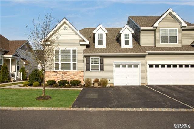 53 Augusta Dr, Medford, NY 11763 (MLS #2929325) :: Netter Real Estate