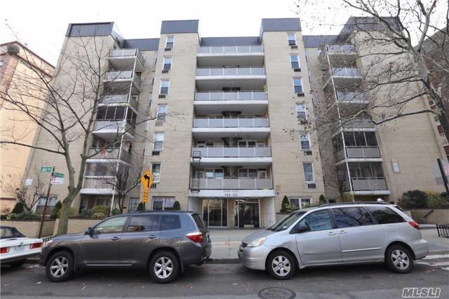 142-20 84th Dr 7E, Briarwood, NY 11435 (MLS #2932283) :: Netter Real Estate