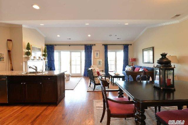 49 Ocean Watch Ct #49, Freeport, NY 11520 (MLS #2933058) :: Keller Williams Homes & Estates