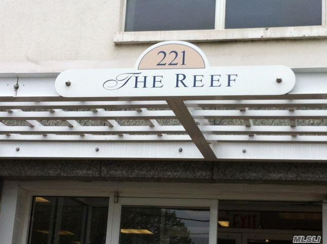 221 Beach 80th St 3H, Rockaway Beach, NY 11693 (MLS #2935851) :: The Lenard Team