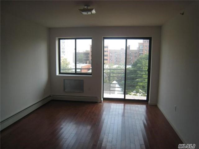 142-23 37th Ave 7C, Flushing, NY 11354 (MLS #2940388) :: Netter Real Estate