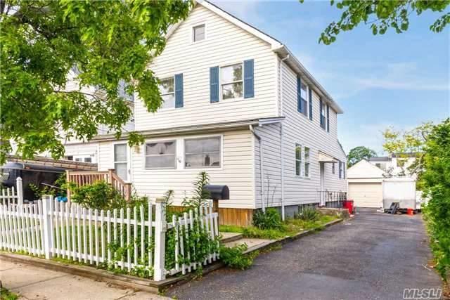 715 Farmers Ave, Bellmore, NY 11710 (MLS #2941890) :: Netter Real Estate