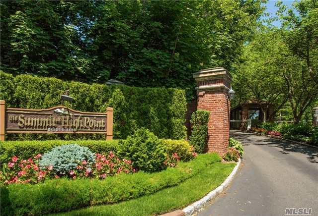 72 Short Way, Roslyn Heights, NY 11577 (MLS #2945359) :: Netter Real Estate