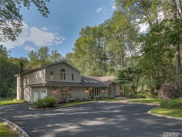 27 Mill Rd, Lloyd Harbor, NY 11743 (MLS #2946160) :: Signature Premier Properties