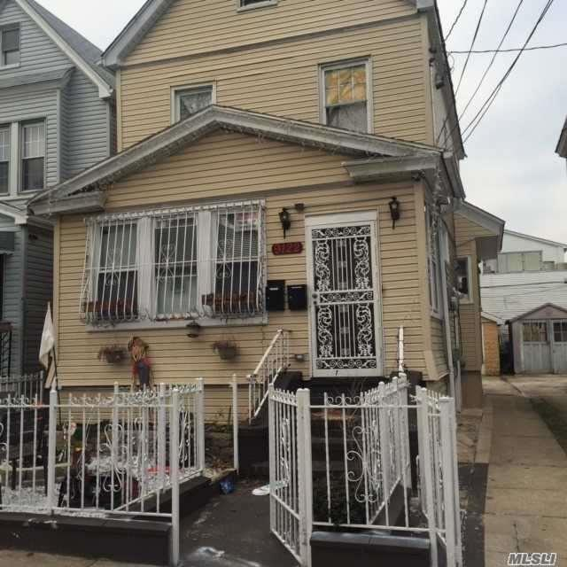 91-22 112th St, Richmond Hill, NY 11418 (MLS #2946907) :: Netter Real Estate