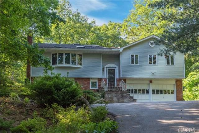 4 Laurel Hill Rd, Centerport, NY 11721 (MLS #2947236) :: Signature Premier Properties