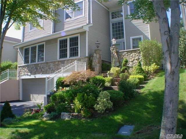 122 Sagamore Dr, Plainview, NY 11803 (MLS #2947365) :: Netter Real Estate