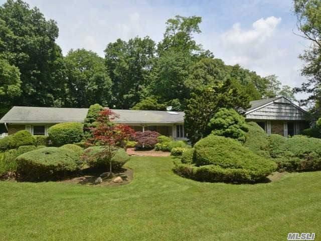 32 Rustic Gate Ln, Dix Hills, NY 11746 (MLS #2948200) :: Signature Premier Properties