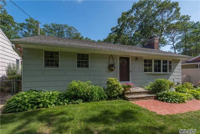 54 Polk Ave, E. Northport, NY 11731 (MLS #2948492) :: Signature Premier Properties