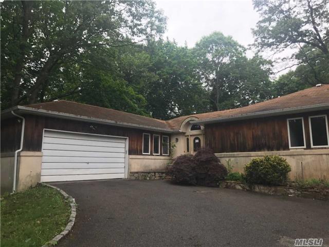 15 Corwin Ct, Dix Hills, NY 11746 (MLS #2948980) :: Signature Premier Properties