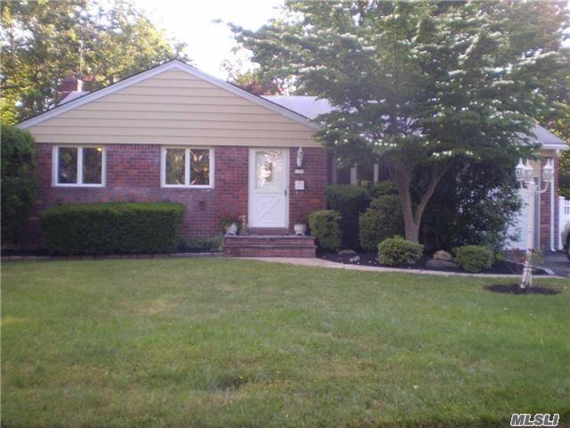 12 West Point Dr, E. Northport, NY 11731 (MLS #2949083) :: Signature Premier Properties