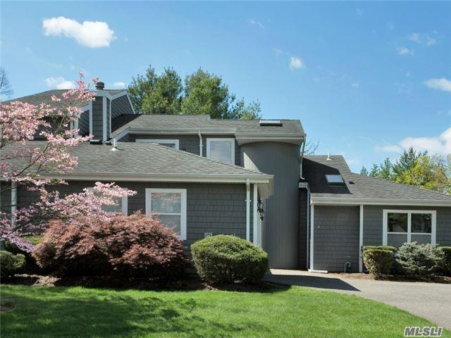 1 Madder Lake Cir, Commack, NY 11725 (MLS #2949159) :: Signature Premier Properties