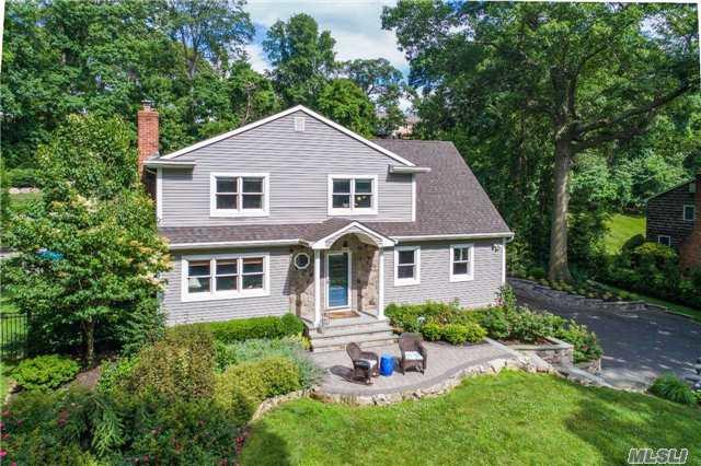 110 Makamah Rd, Northport, NY 11768 (MLS #2949185) :: Signature Premier Properties