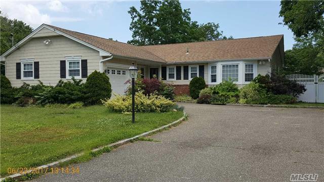 47 Cedar Rd, E. Northport, NY 11731 (MLS #2949334) :: Signature Premier Properties