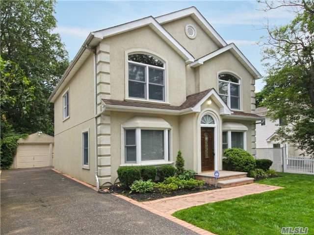 18 E Lyons, Melville, NY 11747 (MLS #2949399) :: Signature Premier Properties