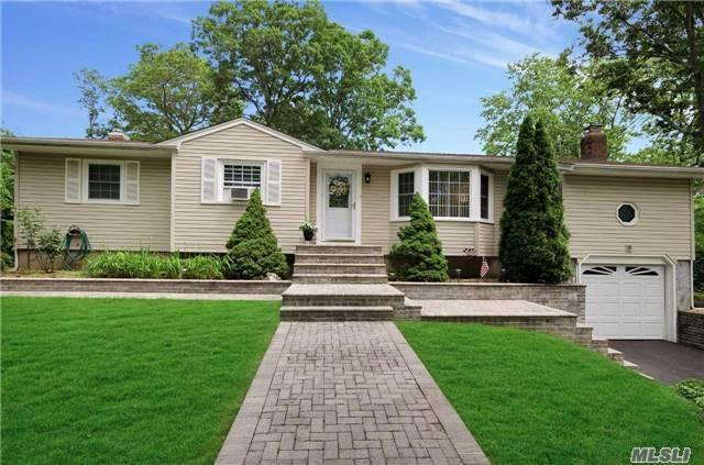 49 Gannet Dr, Commack, NY 11725 (MLS #2949756) :: Signature Premier Properties