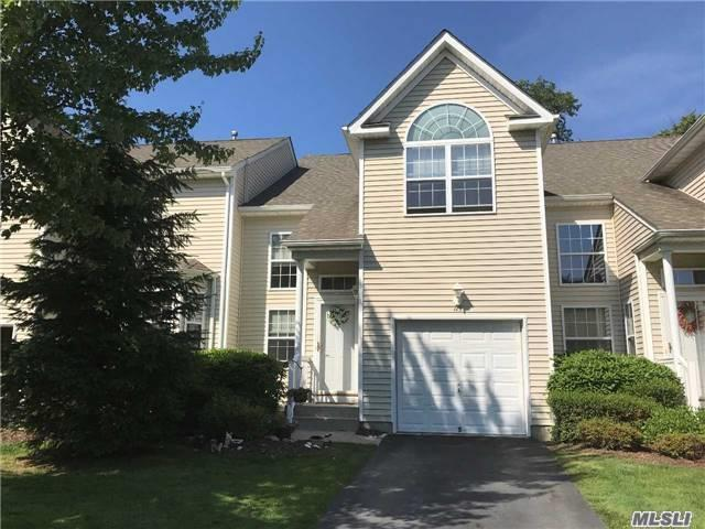 115 Kettles Ln #115, Medford, NY 11763 (MLS #2950034) :: The Lenard Team