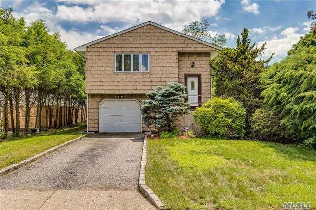 30 Illinois St, Dix Hills, NY 11746 (MLS #2950211) :: Signature Premier Properties