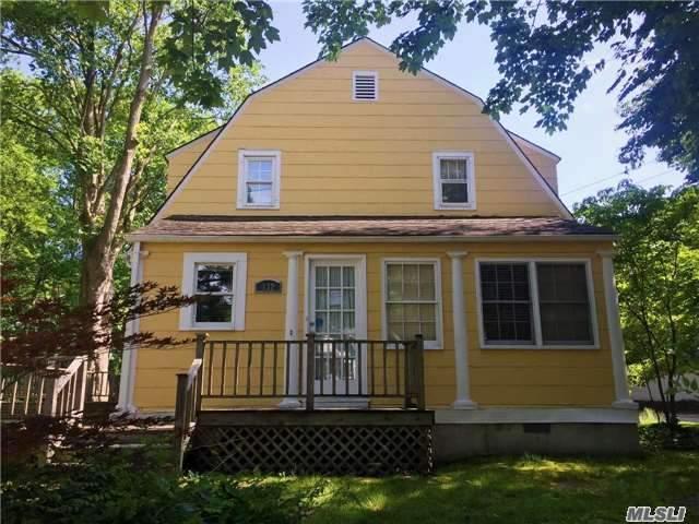 132 High St, Huntington, NY 11743 (MLS #2950212) :: Signature Premier Properties