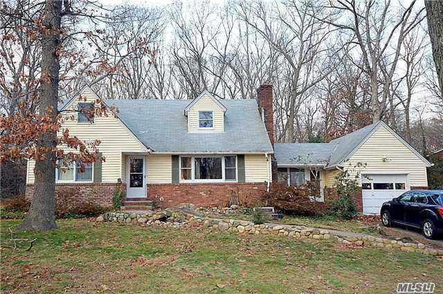 330 Concord St, Dix Hills, NY 11746 (MLS #2950322) :: Signature Premier Properties