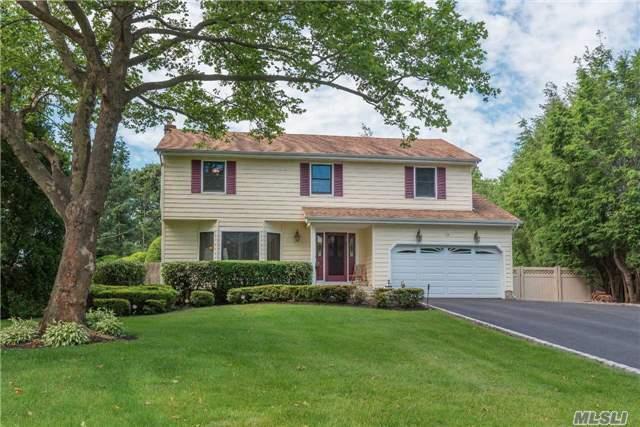 18 Elmbark Ln, E. Northport, NY 11731 (MLS #2950444) :: Signature Premier Properties