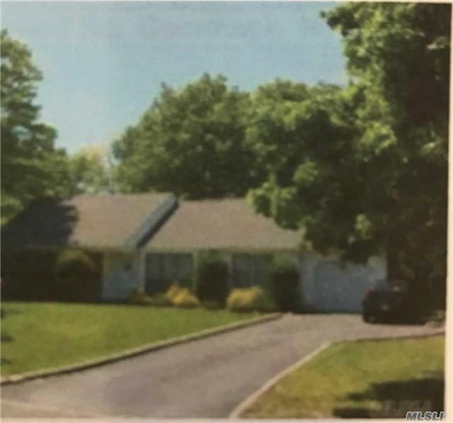 48 Fleetwood Rd, Commack, NY 11725 (MLS #2950617) :: Signature Premier Properties