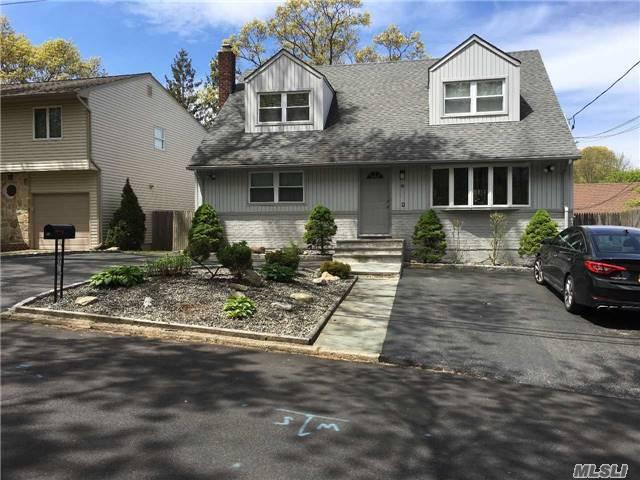 39 Homeland Dr, Huntington, NY 11743 (MLS #2950637) :: Signature Premier Properties