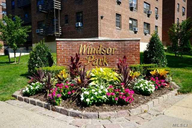 211-02 73 Ave 4J, Bayside, NY 11364 (MLS #2955040) :: Shares of New York