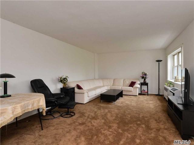 144-55 Melbourne Ave 6F, Flushing, NY 11367 (MLS #2955488) :: Netter Real Estate