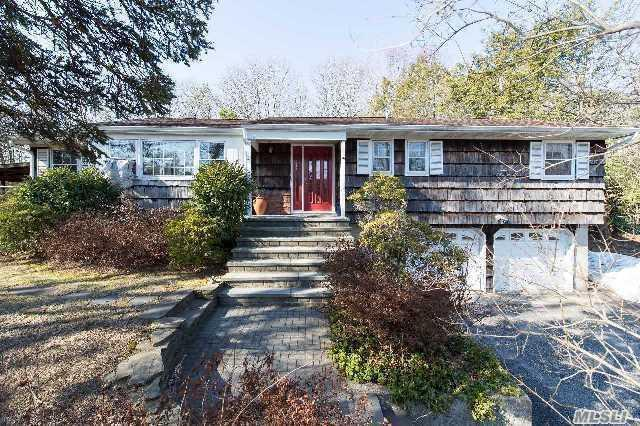 260 Gibbs Pond Rd, Nesconset, NY 11767 (MLS #2957338) :: The Lenard Team