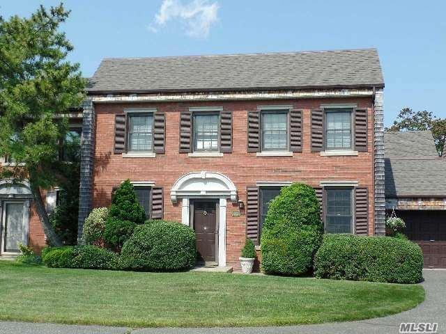 232 Helm Ln, Bay Shore, NY 11706 (MLS #2960245) :: Netter Real Estate
